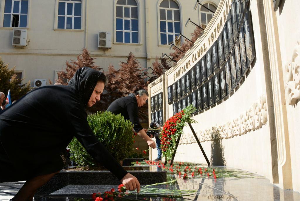 Anım günündə UNEC-də Memorial-Xatirə Kompleksinin açılışı olub (FOTO) - Gallery Image
