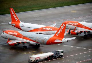 EasyJet reports 93% take-up of $1.6 bln rights issue
