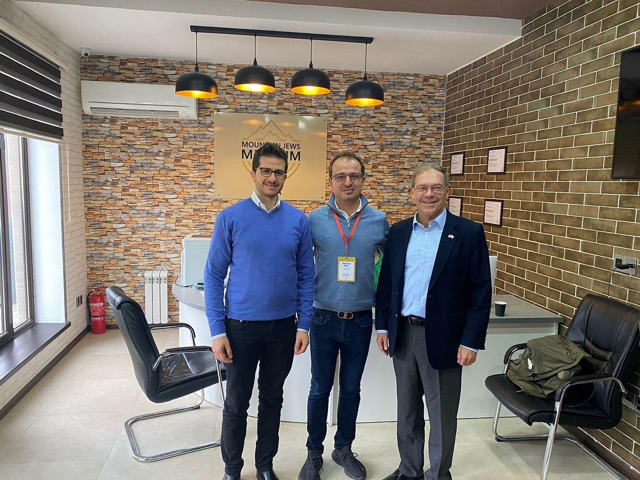 Послы США и Израиля в Азербайджане посетили Красную Слободу (ФОТО) - Gallery Image