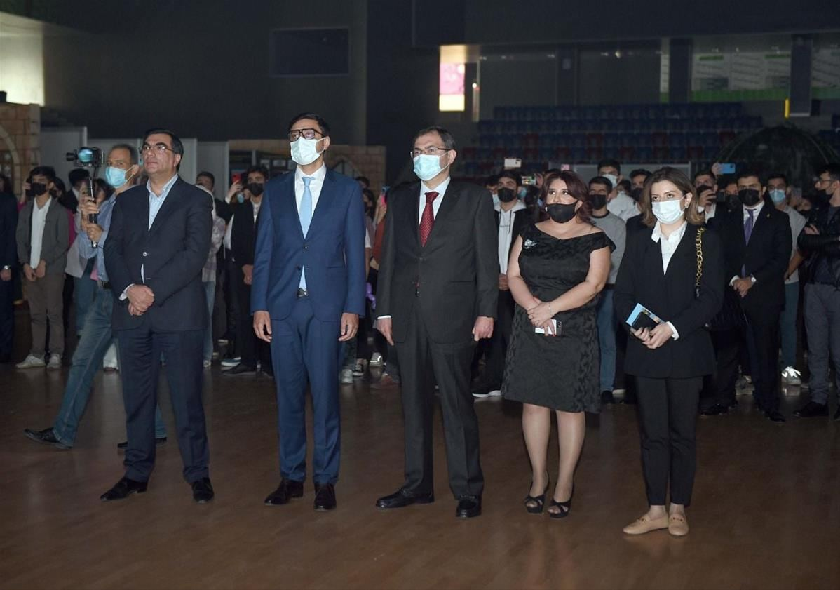 Students of Baku Higher Oil School become winners of 'There is an idea!' contest (PHOTO) - Gallery Image