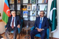 Akademik Kamal Abdulla Pakistan Müasir Dillər Universitetinin rektoru ilə görüşüb (FOTO) - Gallery Thumbnail