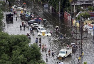 Heavy rains lash India's Kerala, red alert sounded in 5 districts