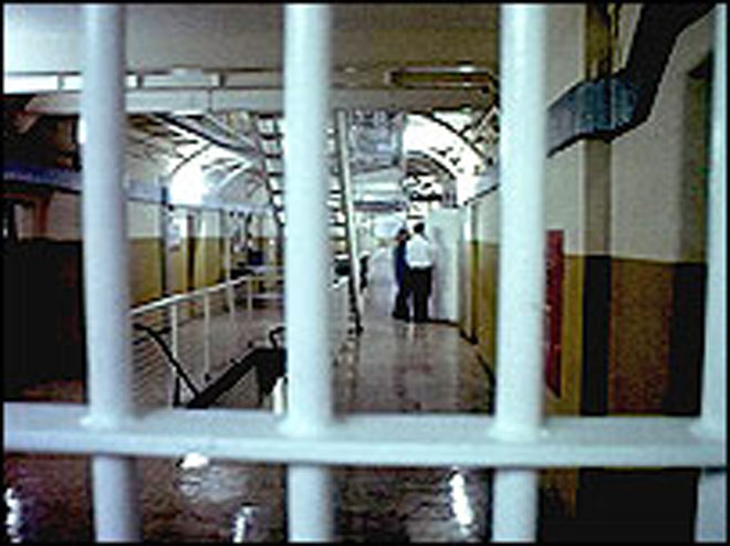 Photo: Two citizens, serving sentences in Iran for spying handed over to Azerbaijan 