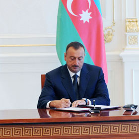 Photo: Azerbaijani President approves execution of 2010 budget of State Oil Fund / Oil&Gas