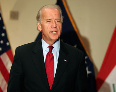 Photo: Biden warns Russia on 'dark path' to isolation / Other News
