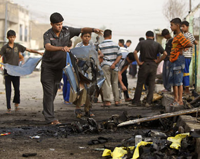 Photo: 2 killed, 10 people injured in three blasts in Pakistan / Other News