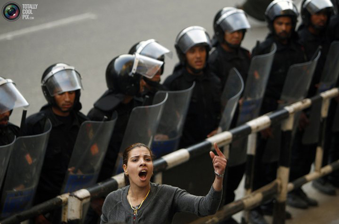 Photo: Egypt interior minister denies police fired at protesters  / Arab World