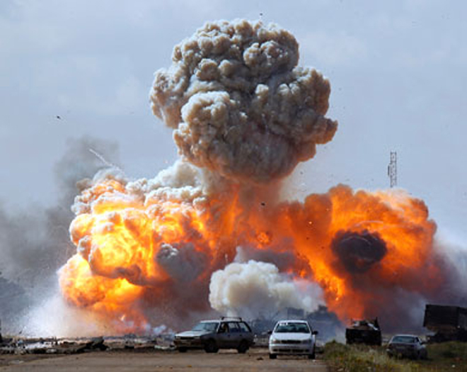 Photo: Car bombs kill at least eight at Libya army academy in Benghazi / Arab World