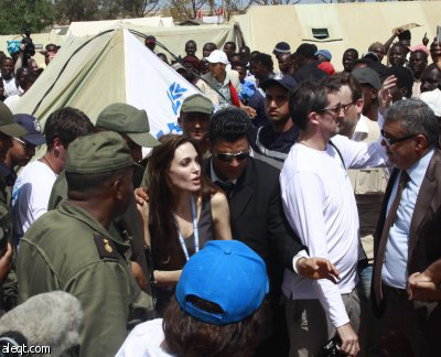 Photo: Hollywood actress visits Syrian refugees in Lebanon / Other News