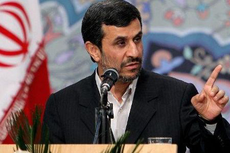 Photo: Ahmadinejad angry about Mourtazavi's arrest, claims to handle issue when back from Egypt / Iran