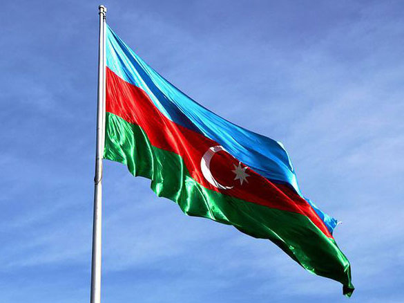 Photo: Azerbaijani flag raised at Olympic Games athletes village in London  / Society