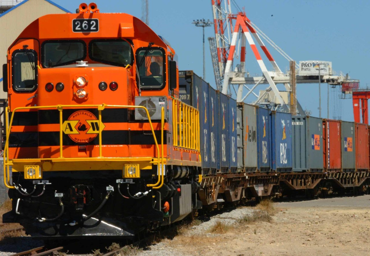 Photo: Rail freight transport to resume between Baku and Poti / Economy news