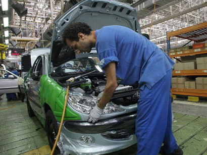 Photo: France carmakers strive for Iran comeback / Iran