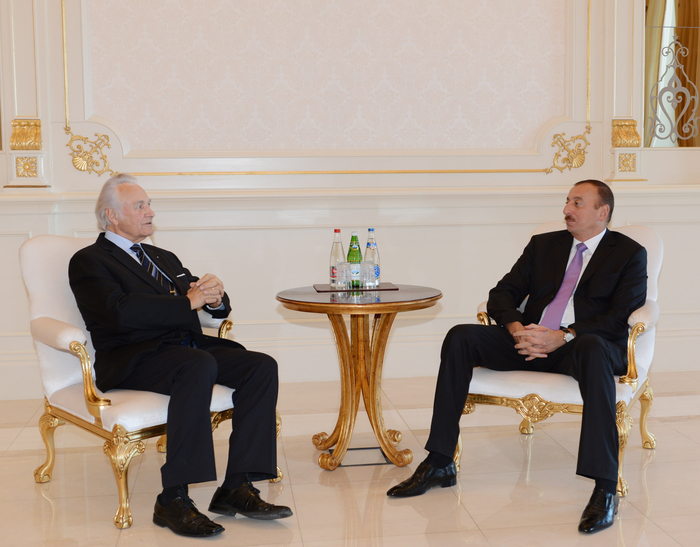 Photo: President of Azerbaijan receives former president of Estonia Arnold Rüütel / Politics