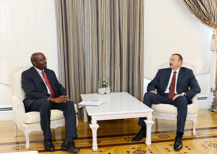 Photo: Azerbaijani President receives WB Regional Director for South Caucasus  / Politics
