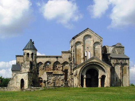 Photo: UNESCO withdraws Georgian Bagrati cathedral from list of world cultural heritage sites