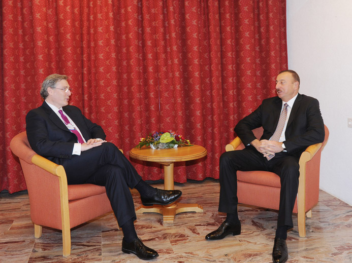 Photo: Azerbaijani President meets Booz & Company CEO Cesare Mainardi / Politics