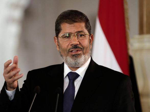 Photo: Morsi arrives at trial venue / Arab World