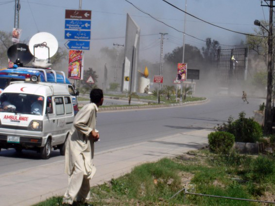Photo: Roadside bomb kills four soldiers in south-western Pakistan / Other News