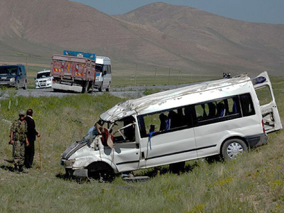 Photo: 10 Georgian citizens injured as result of road accident in Turkey / Turkey