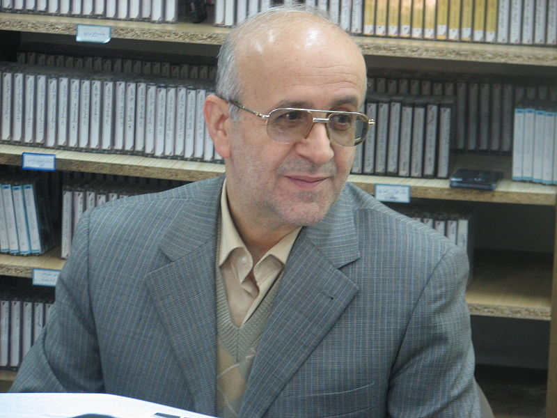 Photo: Tehran University professor of economics, former parliamentarian registers for Iran's presidential elections / Iran