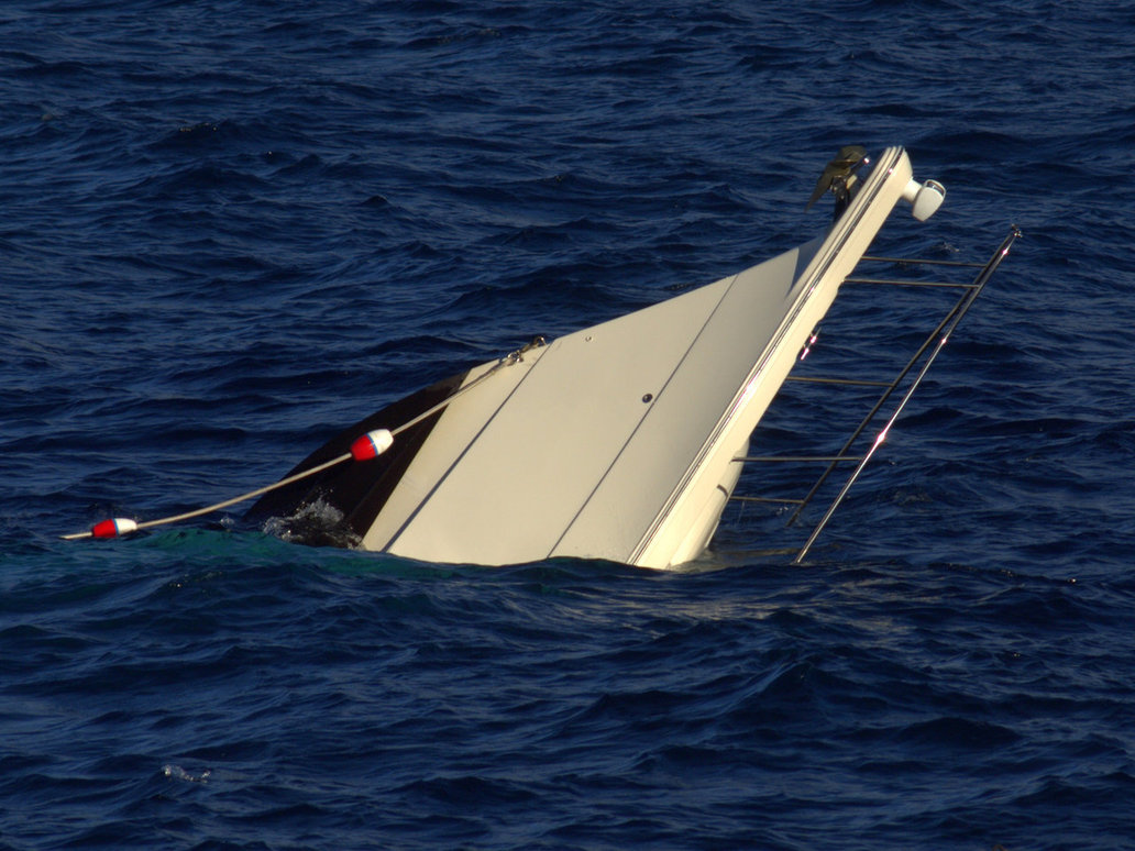 Photo: Ship carrying Syrian illegal migrants sink off Turkey's coast