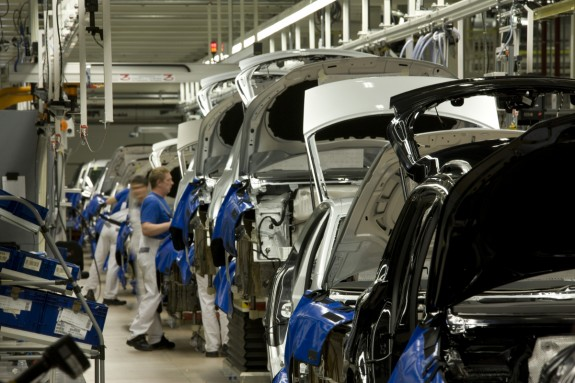 Photo: Chinese carmakers determined to remain in Iranian market / Economy news