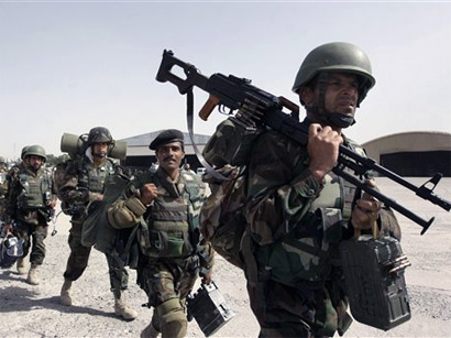 Photo: Third of Afghan security forces illiterate despite training program / Other News