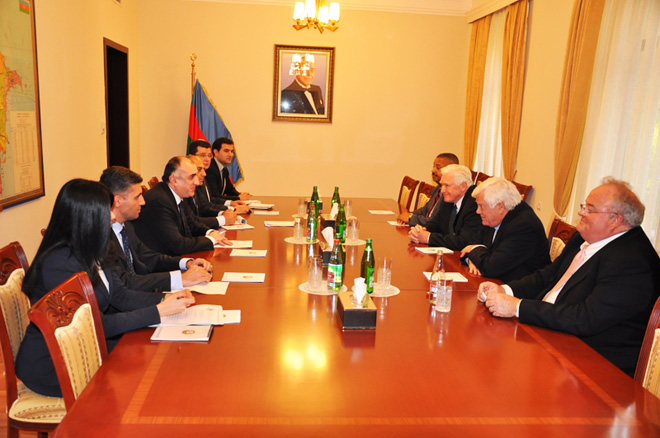 Photo: U.S congressmen: Azerbaijan is politically stable country with fast growing economy  / Politics
