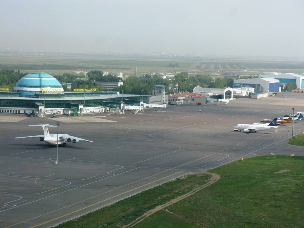 Photo: Kazakh SCAT airline plane makes emergency landing in Astana airport / Kazakhstan