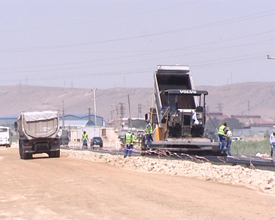 Photo: Azerbaijan reconstructs main road linking north with south-west of country / Society