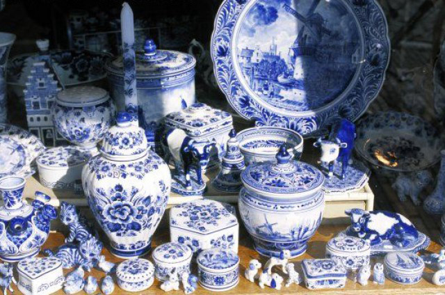 Photo: Eurasian Customs Union imposes special duty on porcelain import until 2016 / Finance