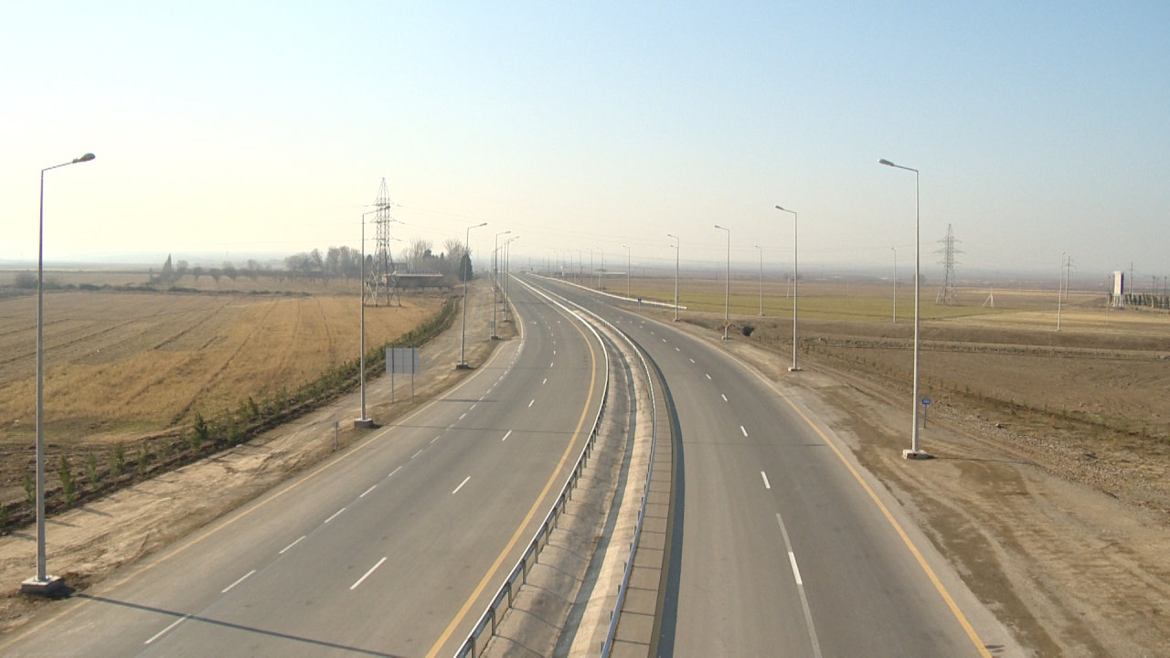 Photo: Azerbaijan conducts road reconstruction and communications creation in coordinated manner