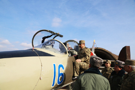 Photo: Azerbaijani Defence Minister visits Air Force military unit  / Politics