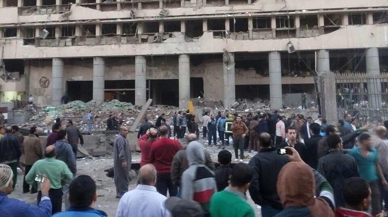 Photo:  Cairo police headquarters rocked by explosion  / Arab World