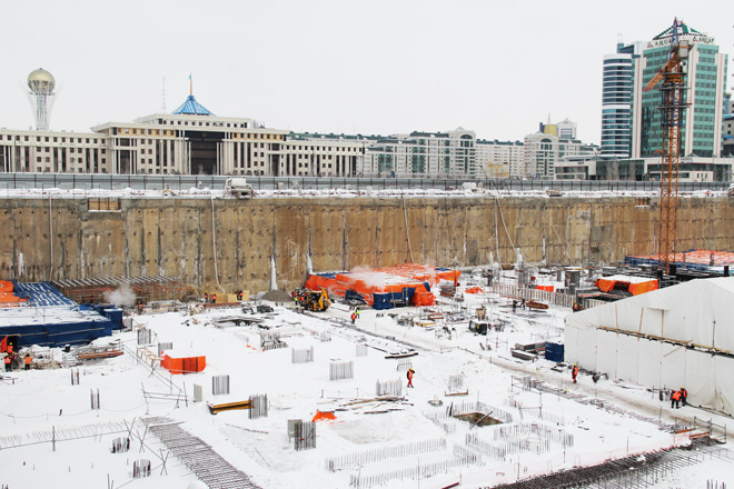 Photo: Construction of Abu Dhabi Plaza in Astana must be completed by late 2016 / Kazakhstan