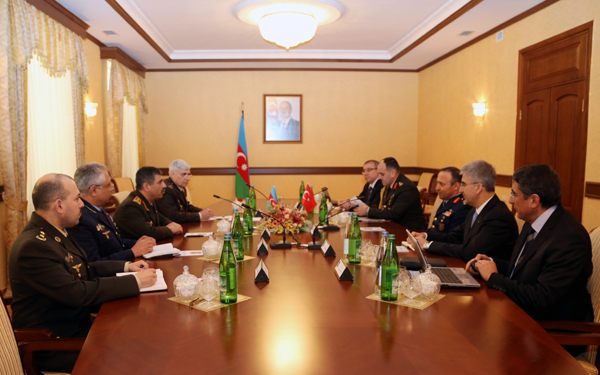 Photo:  Azerbaijan, Turkey discuss cooperation issues in defense sphere / Politics