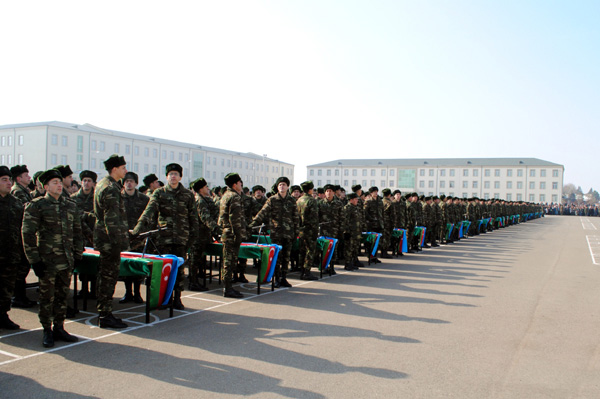 Photo: Young soldiers from Azerbaijani defence ministry units take oath  / Society