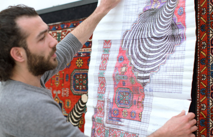 Photo: Dazzling modern carpets revolutionize traditions in Azerbaijan / Azerbaijan