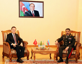 Photo: Azerbaijan, Turkey discuss prospects of cooperation in defence / Politics