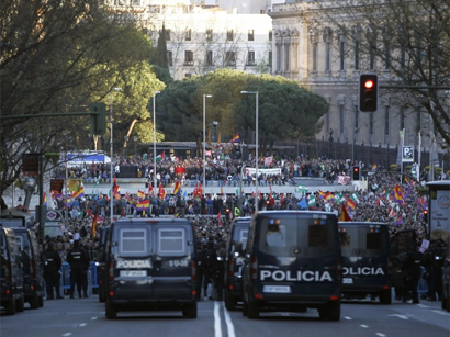 Photo: Spain protests call for vote on monarchy / Other News