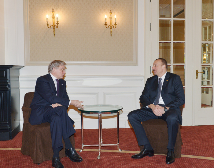 Photo: Azerbaijani President Ilham Aliyev meets with Dutch Senate member