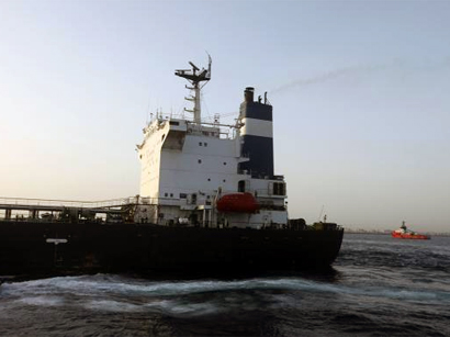 Photo: Libyan port rebels demand tanker back before any negotiations / Arab World