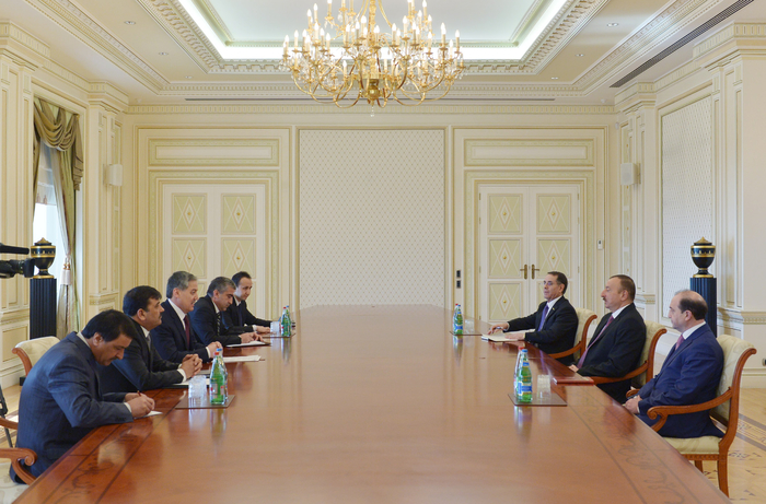 Photo: Azerbaijani president receives Tajik FM