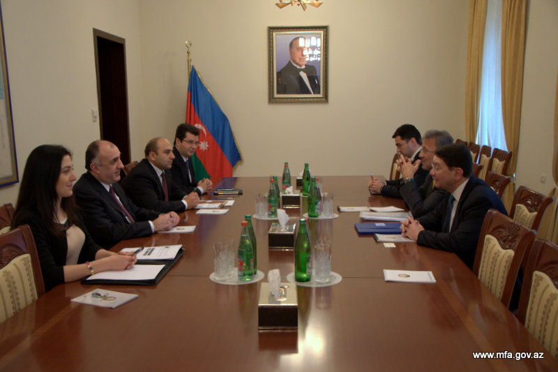 Photo: Foreigners show great interest in Azerbaijan