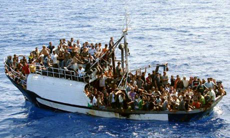Photo: Italy rescues 1,800 migrants over weekend, five bodies recovered