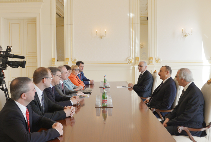 Photo: Azerbaijani president receives delegation led by governor of Ulyanovsk Region of Russia 