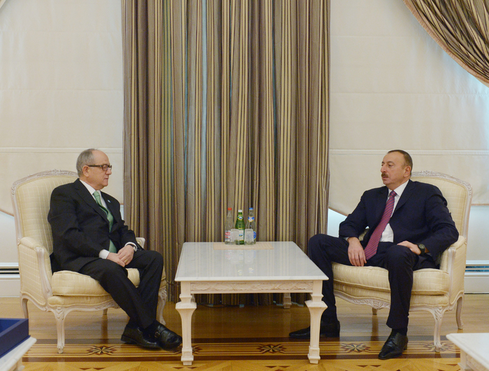 Photo: Azerbaijani president greets Turkic-Speaking States representative  / Politics