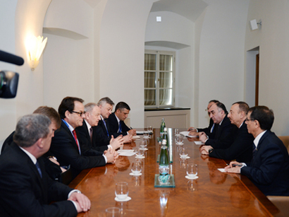 Photo: Azerbaijani President Ilham Aliyev met with Moldovan President Nicolae Timofti in Prague / Politics