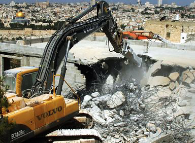 Photo: Israeli forces demolish West Bank mosque as peace talks deadline passes / Arab-Israel Relations